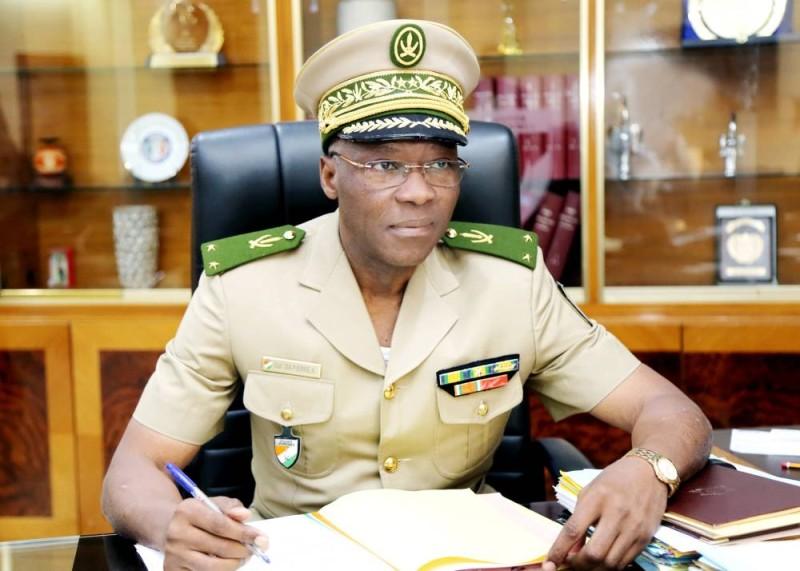 Général Da Pierre, directeur général de la douane