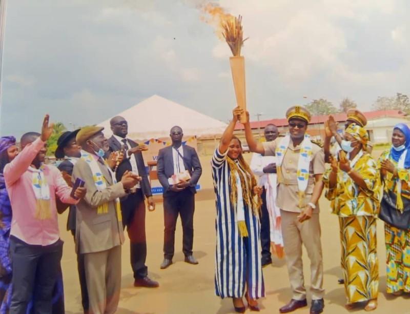 La flamme de la paix a été remise aux autorités préfectorales. (DR)